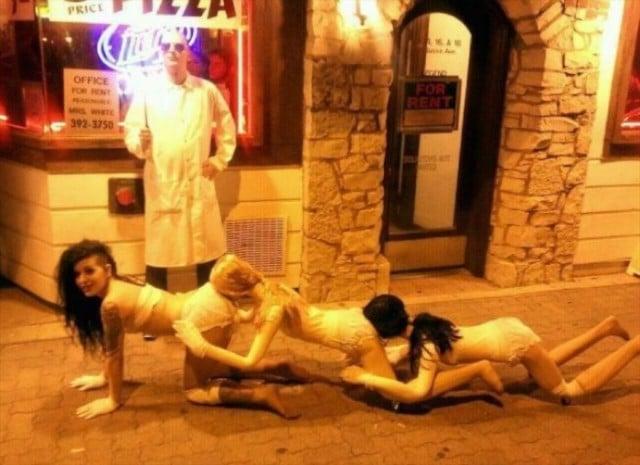 The Human Centipede Halloween Kostüm