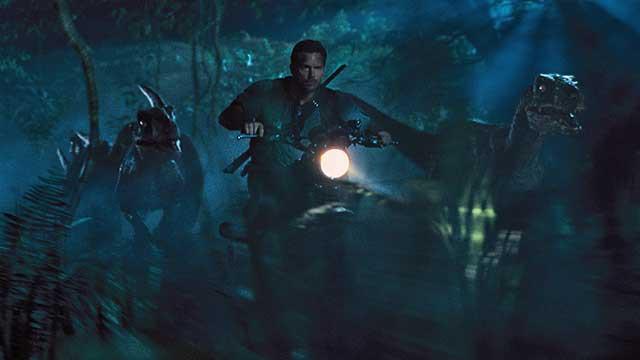 """Neue Bilder im zweiten deutschen """"Jurassic World"""" Trailer"""