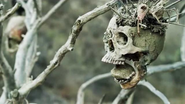 """Kurt Russell macht Jagd auf Kannibalen im Trailer zu """"Bone Tomahawk"""""""