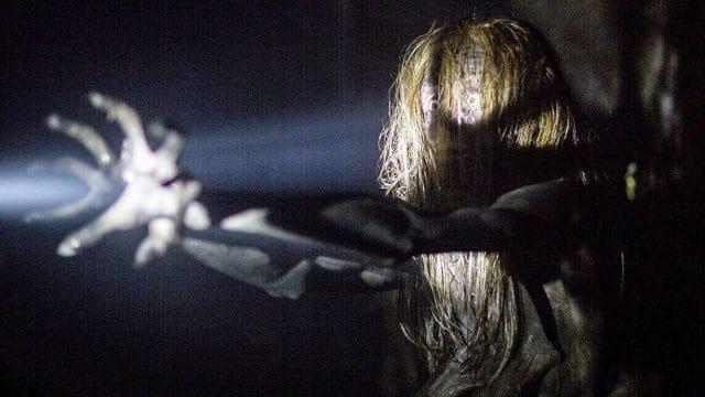 "Der offizielle ""Don't Knock Twice"" Trailer entfesselt den Fluch der Hexe"
