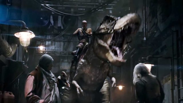 "Hitler reitet auf einem T-Rex durch den ""Iron Sky: The Coming Race"" Trailer"