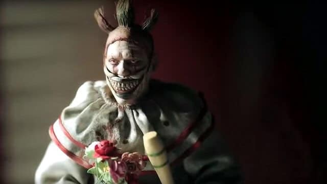 "Offizieller Trailer zu ""American Horror Story: Cult"" mit noch mehr Horror-Clowns"