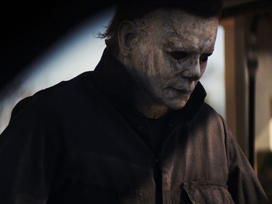 """[Update] Michael Myers taucht in """"Halloween"""" Szenebildern und im Teaser Trailer auf"""