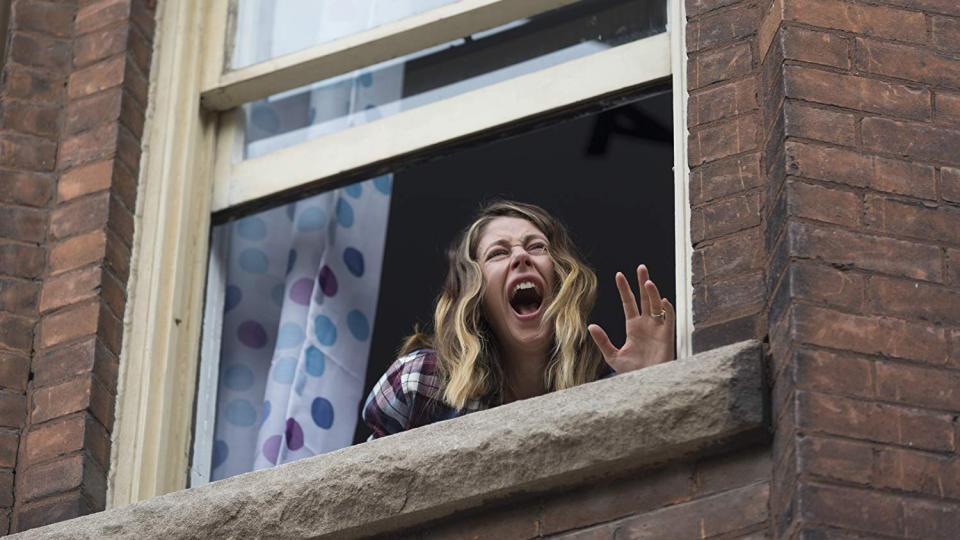 """Adam Brody begegnet einer bösen Präsenz im Trailer zu """"Isabelle"""""""