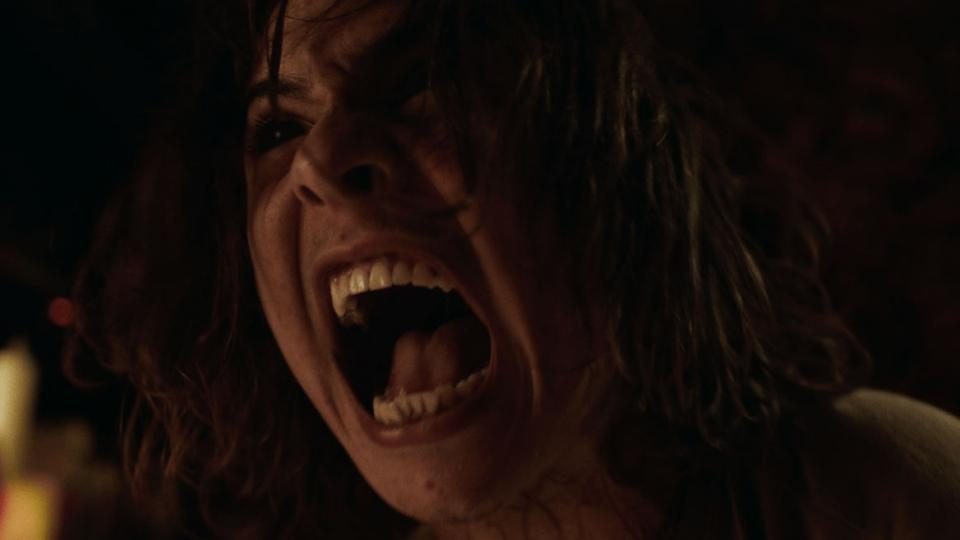 """Fear The Walking Dead""-Star Frank Dillane im Trailer zum Sci-Fi Horror ""Astral"""