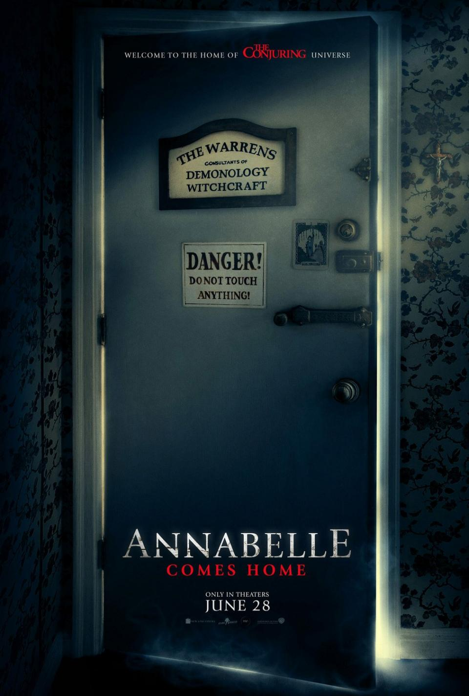 """Annabelle Comes Home"": Neues Poster öffnet den Keller des Grauens"
