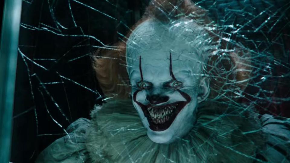 """Pennywise sorgt für Angst und Schrecken im finalen Trailer zu """"Es: Kapitel 2"""""""